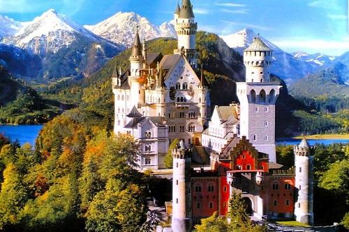 """Замок фантазій """"казкового короля"""""""