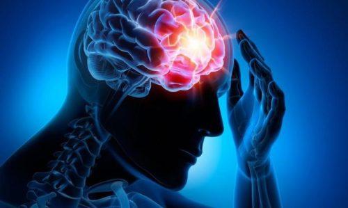 Опікунці: як розпізнати інсульт і що робити