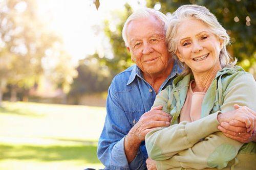 Як допомогти літнім людям подолати самотність