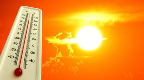Опікунці: як літнім людям пережити спеку