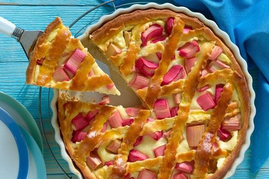 Rhabarberkuchen-mit-Vanillepudding